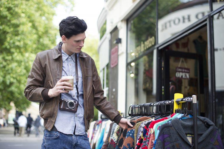 56% dos consumidores brasileiros compram motivados por causas sociais
